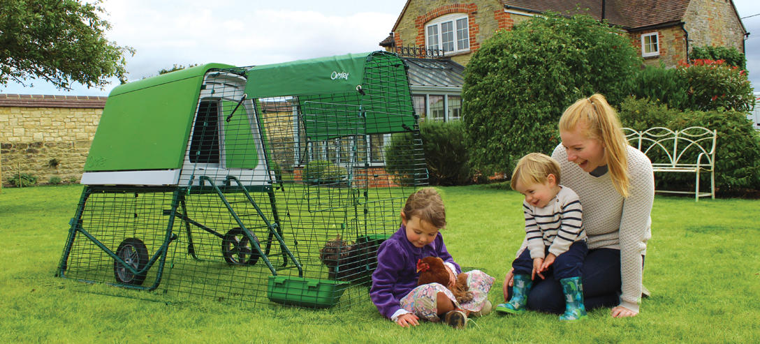 Eglu_go_up_green_chicken_coop_with_family_0f5aab87